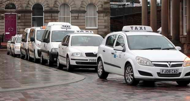 taxis-in-huddersfield-town-centre-698898403-1